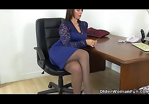 British milf Clouded receives creamy be worthwhile for the brush sex toy
