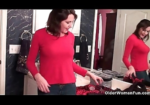 American milfs Nyla plus Anna expose their muted cum-hole