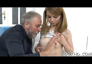 Young follower groupie licks and rides old hamper