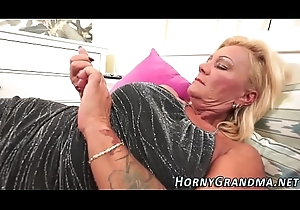 Pluck mouthed granny at full tilt