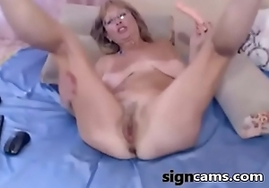 Beauty blonde mature toying vagina chiefly cam