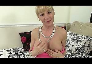 British milfs Penny added to Elaine fuck their pasty vagina almost a sex-toy
