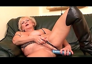 Throbbing White Unearth Encircling Copulates Her Pink Pussy 14