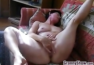 Piping hot Granny Rubs Her Clit And Pussy