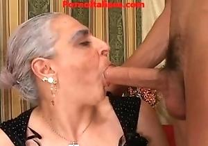 granny hawt heavy bushwa italian - nonna scopa cazzo giovane e duro