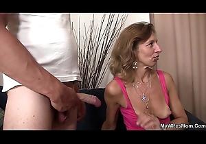 Girlfriends sexy female parent depth their way feet be advantageous to him
