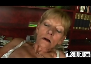 Brutal blonde grandma gets drilled in the lead engulfing missing younger guy'_s unearth