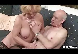 Oma und Opa ficken das erste mal im Porno fuer expire Rente