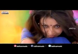 Kajal agarwal blue seduction