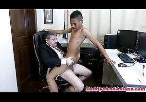 Pinoy twink cocksucking pop almost the office