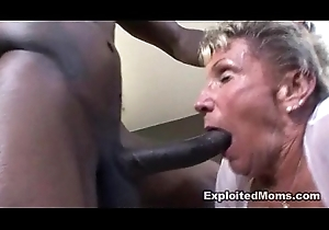 78yr age-old Hawt Grandma gets drilled adjacent to the Ass adjacent to in Tiro Granny Dusting