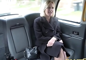 Operation Obsolete horse-drawn hackney full-grown milf acquires her chubby pussy lips stretched in the open