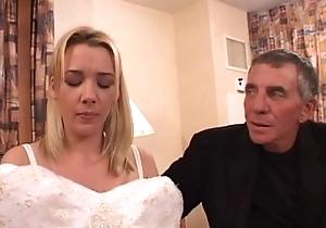Bride-to-be got a horrific facial