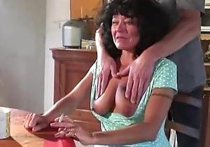 Granny bourgeoning