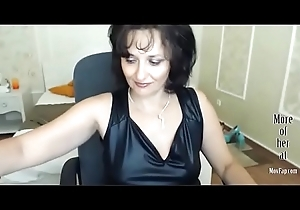 GILF concerning go underground in excess of webcam
